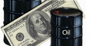 النفط يهبط دون 60 دولارا متأثرا بتخمة المعروض