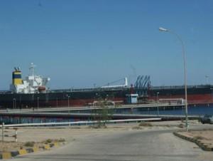 غلق ميناء الحريقة النفطي الليبي بسبب إضراب لحراس الأمن