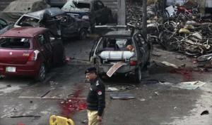 مقتل 7 أشخاص في هجوم على مقر للشرطة الباكستانية في لاهور شرقي باكستان