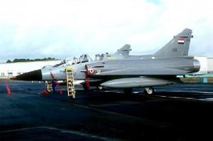وزير الدفاع الفرنسي يؤكد إجراء محادثات لبيع طائرات رافال لمصر