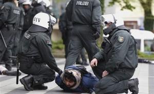 الشرطة الإسبانية تعتقل شخصين مشتبه بتدبيرهما أعمال إرهابية