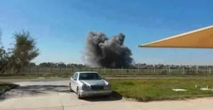 طائرة حربية تستهدف مطار معيتيقة الدولي