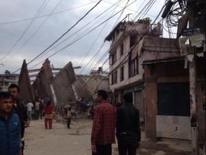 وزارة الداخلية النيبالية ارتفاع عدد قتلى زلزال نيبال إلى أكثر من 500 شخض