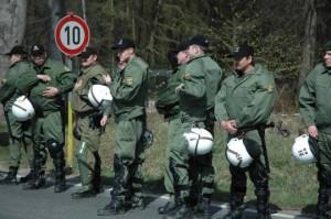 الشرطة الألمانية القبض على أربعة أشخاص خططوا لهجمات على مسلمين ولاجئين