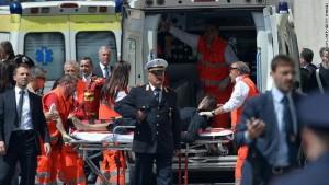 الشرطة الايطالية  مقتل أربعة وإصابة خمسة أشخاص في إطلاق نار جنوب إيطاليا