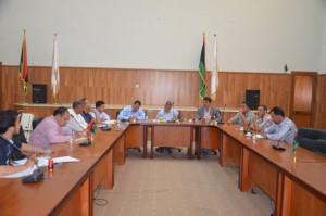 فتح مظاريف عروض الشركات المتقدمة لمشروع توريد حافلات نقل عام ببلدية زليتن