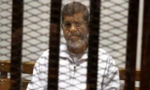 محكمة مصرية تحيل أوراق الرئيس السابق مرسي للمفتي في قضية اقتحام السجون
