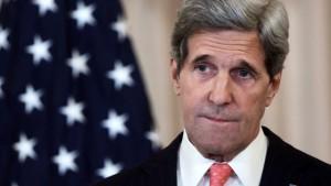 وزير الخارجية الأمريكي يعلن انه بلاده ستبحث مع السعوديين وقفا للقتال في اليمن
