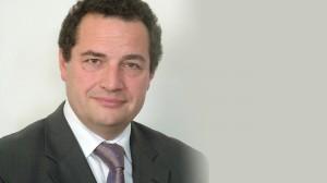 نائب برلماني فرنسي يدعو بلاده الى التواصل مع حكومة الانقاذ الوطني لمعالجة قضية الهجرة غير الشرعية