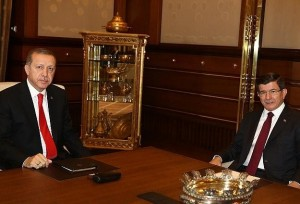 أردوغان يكلف أوغلو بتشكيل حكومة مؤقتة لتصريف الأعمال