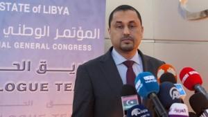 المخزوم يستقيل من عضوية ورئاسة فريق الحوار