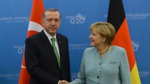ميركل تجدد رفضها انضمام تركيا للاتحاد الأوروبي