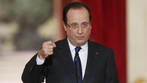 هولاند  فرنسا في حالة حرب ضد الارهاب