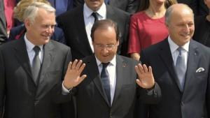 أيرولت وزيرا للخارجية الفرنسية خلفا لفابيوس