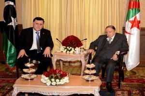 الجزائر ترفض فتح مجالها الجوي لضرب داعش في ليبيا