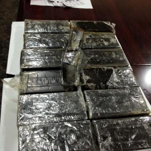 القبض على 13 شخصا من مروجي المخدرات
