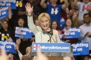 هيلاري كلينتون تفوز بالانتخابات التمهيدية للديمقراطيين في كارولاينا الجنوبية
