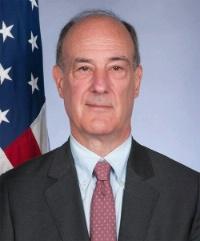 المبعوث الأمريكي لليبيا يؤكد دعم بلاده لتوجه المجلس الرئاسي في حربه ضد داعش