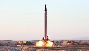 إيران تختبر صاروخا باليستيا متوسط المدى