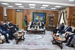 السراج يبحث مع الصيد العلاقات الثنائية بين ليبيا وتونس