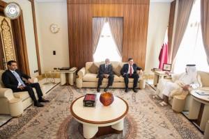 السراج  يجري محادثات مع أمير قطر