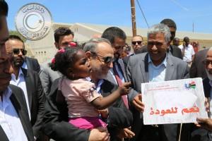 السويحلي يتفقد مخيم نازحي تاورغاء بالعاصمة طرابلس