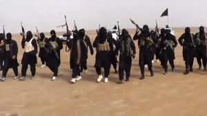 داعش يبث تسجيلا لإعدامه 3 شباب من جبهة النصرة