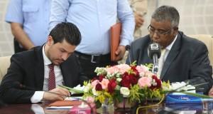 وزير الحكم المحلي بحكومة الوفاق الوطني يتسلم مهام عمله