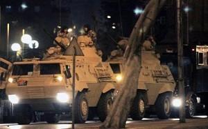الجيش التركي يعلن الاستيلاء على السلطة